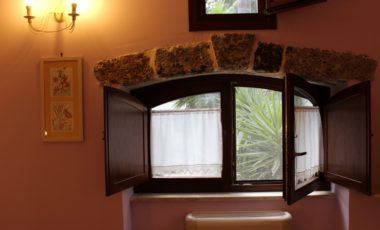 02 finestra camera classic cycas