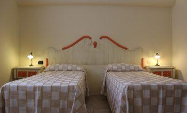 08 camera doppia family suite clementino