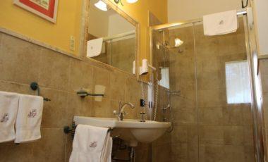 06 bagno camera confort hibiscus